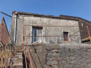 Cod.: 11002 – Rustico da ristrutturare – Nicolosi centro